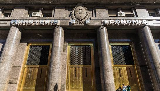 Argentina expects to return to budget surplus in two years